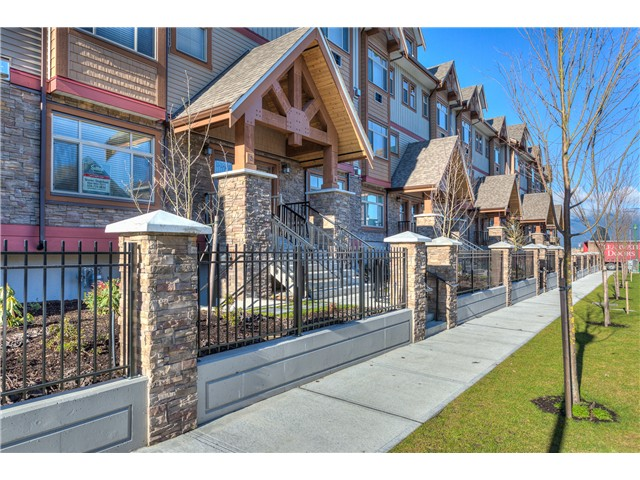 Main Photo: # 3 12585 190A ST in Pitt Meadows: Mid Meadows Condo for sale : MLS(r) # V1120920