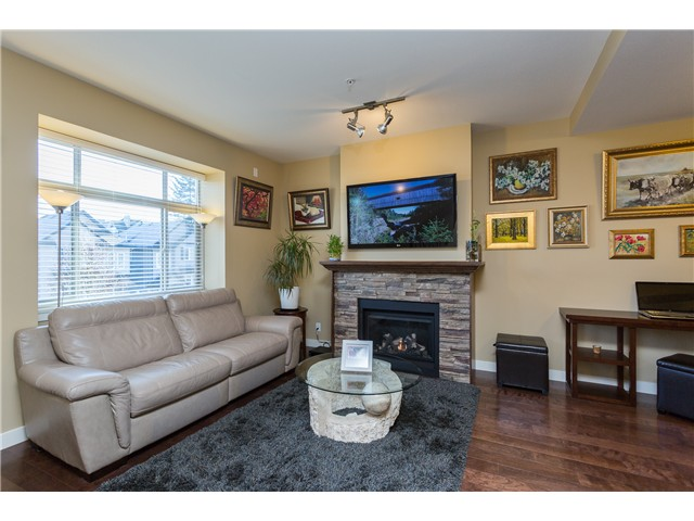 Photo 2: # 3 12585 190A ST in Pitt Meadows: Mid Meadows Condo for sale : MLS(r) # V1120920