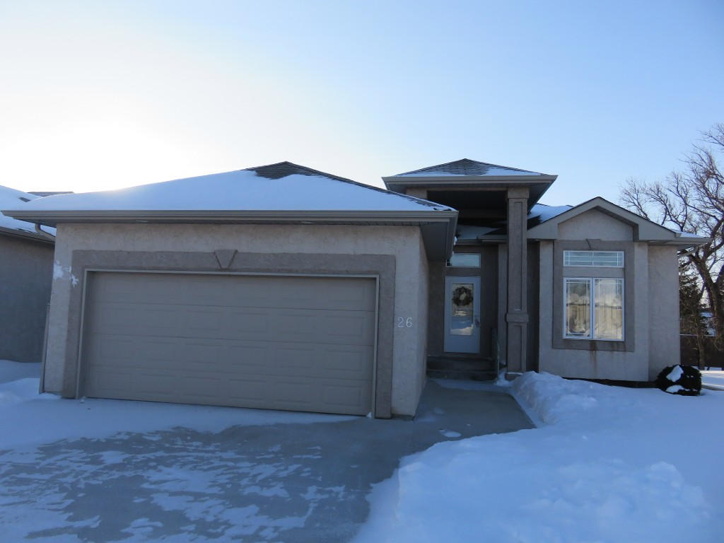 Main Photo: 26 North Plympton Village in Dugald: Single Family Detached for sale : MLS® # 1601626