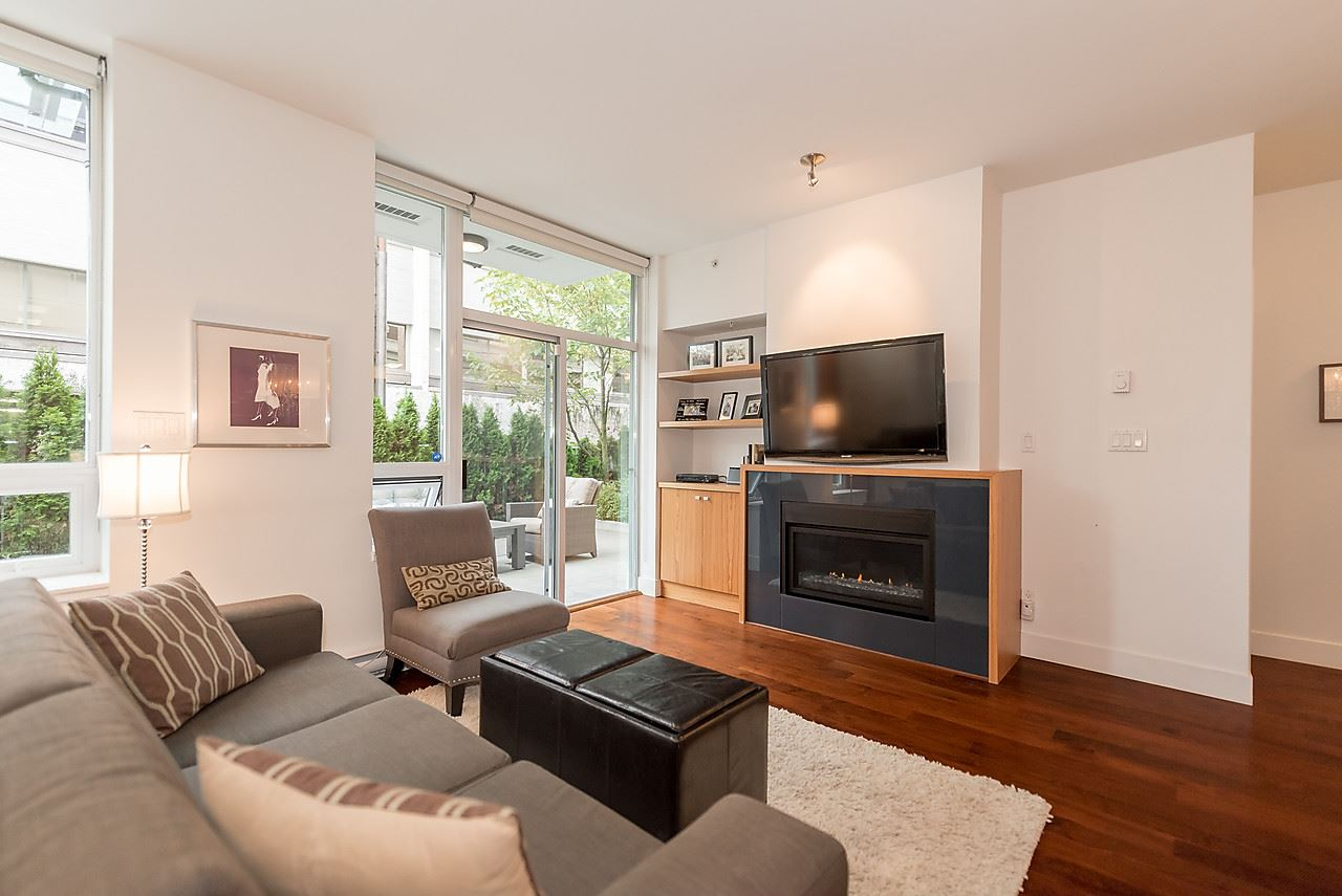 Photo 2: 105 1675 W 8TH AVENUE in Vancouver: Fairview VW Townhouse for sale (Vancouver West)  : MLS(r) # R2010745