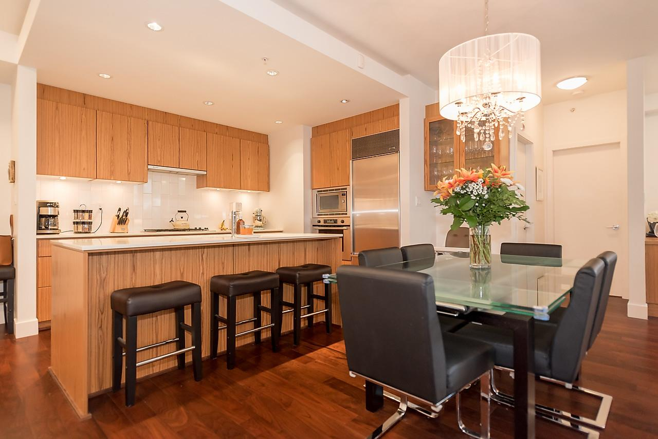 Photo 6: 105 1675 W 8TH AVENUE in Vancouver: Fairview VW Townhouse for sale (Vancouver West)  : MLS(r) # R2010745