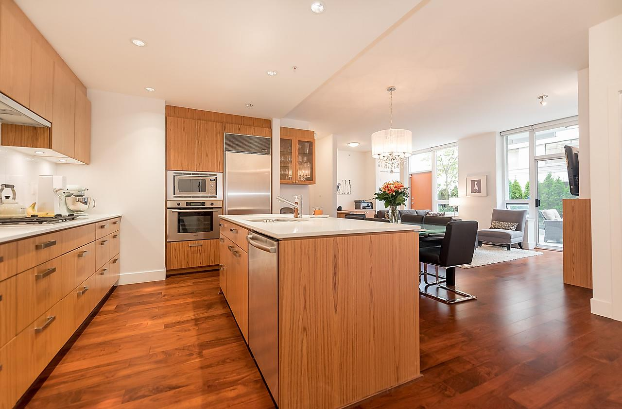 Photo 9: 105 1675 W 8TH AVENUE in Vancouver: Fairview VW Townhouse for sale (Vancouver West)  : MLS(r) # R2010745