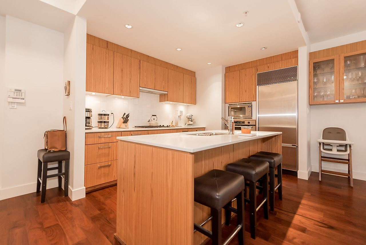 Photo 8: 105 1675 W 8TH AVENUE in Vancouver: Fairview VW Townhouse for sale (Vancouver West)  : MLS(r) # R2010745