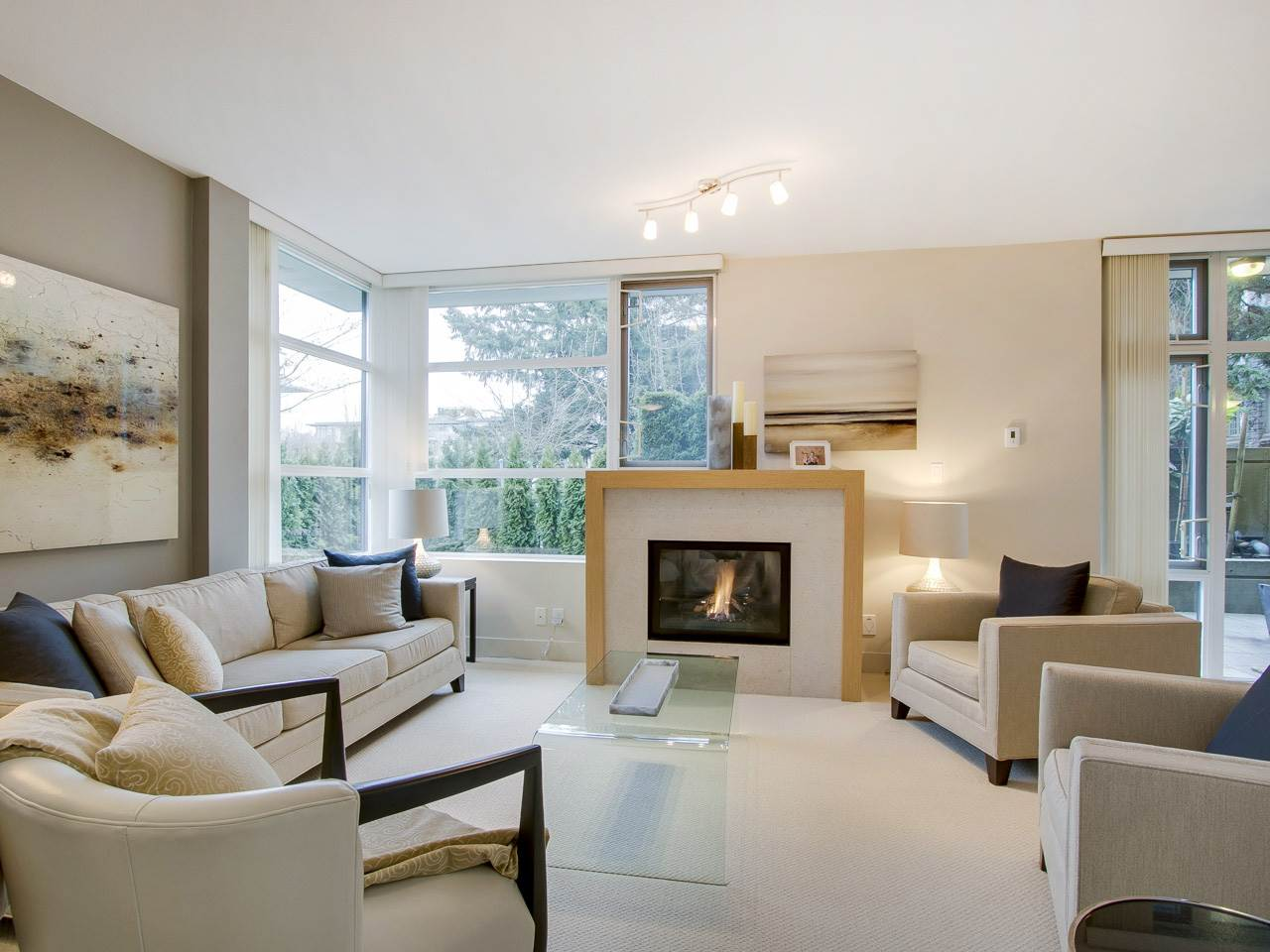 Photo 2: 113 6018 IONA DRIVE in Vancouver: University VW Townhouse for sale (Vancouver West)  : MLS® # R2146501