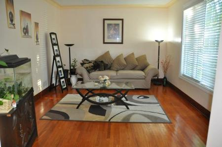 Photo 3: 604 CENTENNIAL Street: Residential for sale (Canada)  : MLS(r) # 1113577