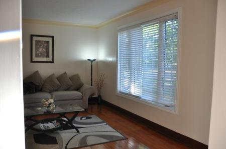 Photo 4: 604 CENTENNIAL Street: Residential for sale (Canada)  : MLS(r) # 1113577