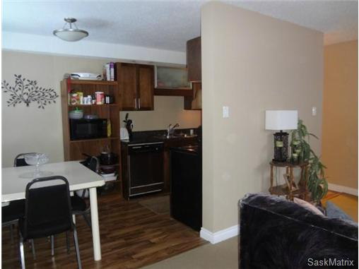 Main Photo: 6 115 Acadia Drive in Saskatoon: West College Park Condominium for sale (Saskatoon Area 01)  : MLS®# 457895