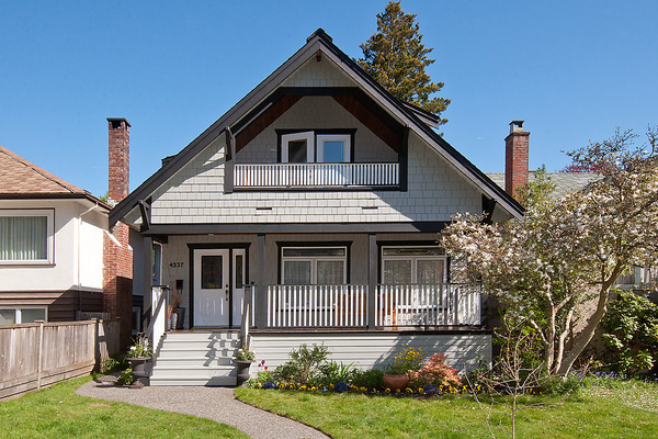 Main Photo: 4337 W 15TH Avenue in Vancouver: Point Grey House for sale (Vancouver West)  : MLS(r) # V1004009