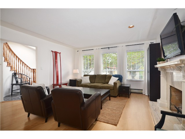 "Photo 4: 878 E 23RD AV in Vancouver: Fraser VE House for sale in ""CEDAR COTTAGE"" (Vancouver East)  : MLS(r) # V1022949"