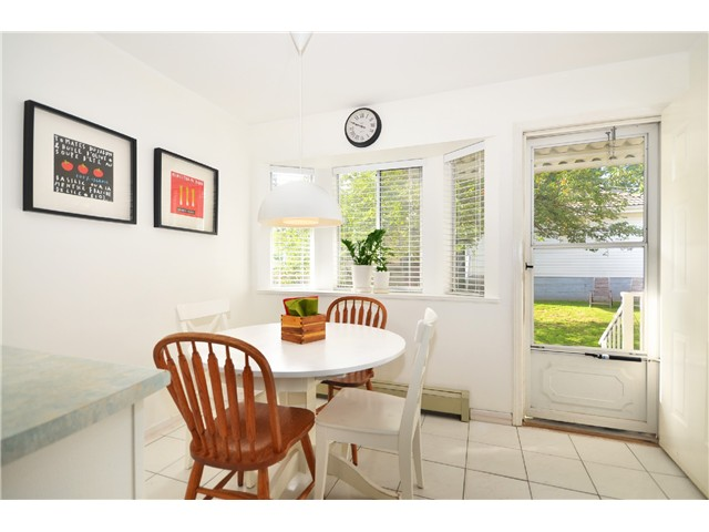 "Photo 8: 878 E 23RD AV in Vancouver: Fraser VE House for sale in ""CEDAR COTTAGE"" (Vancouver East)  : MLS(r) # V1022949"
