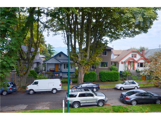 Photo 12: 528 E 10TH AV in Vancouver: Mount Pleasant VE House 1/2 Duplex for sale (Vancouver East)  : MLS® # V1024473