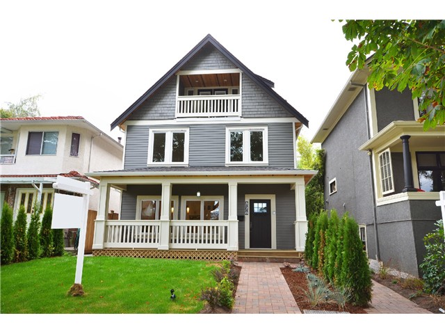 Main Photo: 528 E 10TH AV in Vancouver: Mount Pleasant VE House 1/2 Duplex for sale (Vancouver East)  : MLS® # V1024473