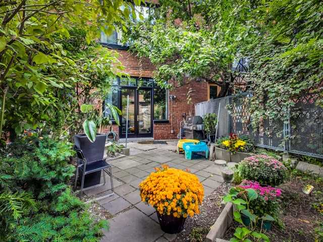 Photo 10: 10 200 Clinton Street in Toronto: Palmerston-Little Italy Condo for sale (Toronto C01)  : MLS(r) # C3325457