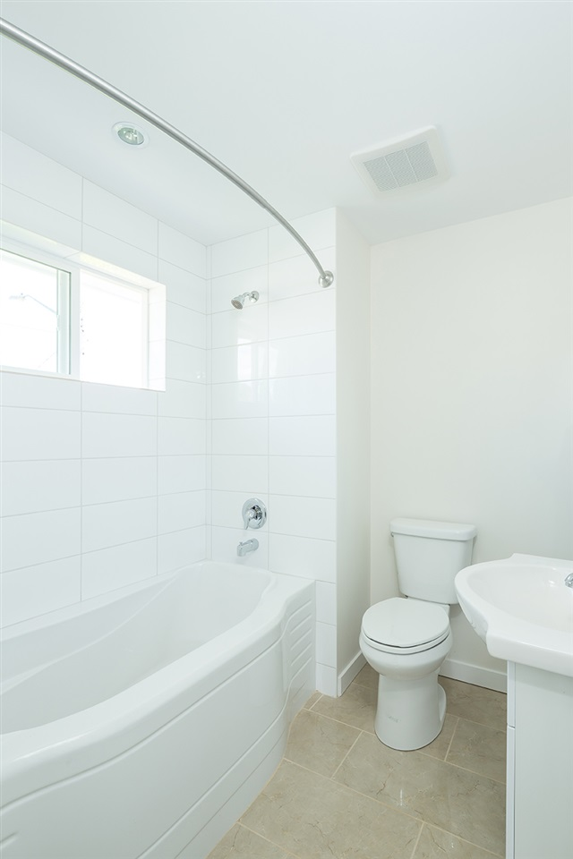 Photo 14: Photos: 663 E 5TH STREET in North Vancouver: Queensbury House for sale : MLS® # R2072236