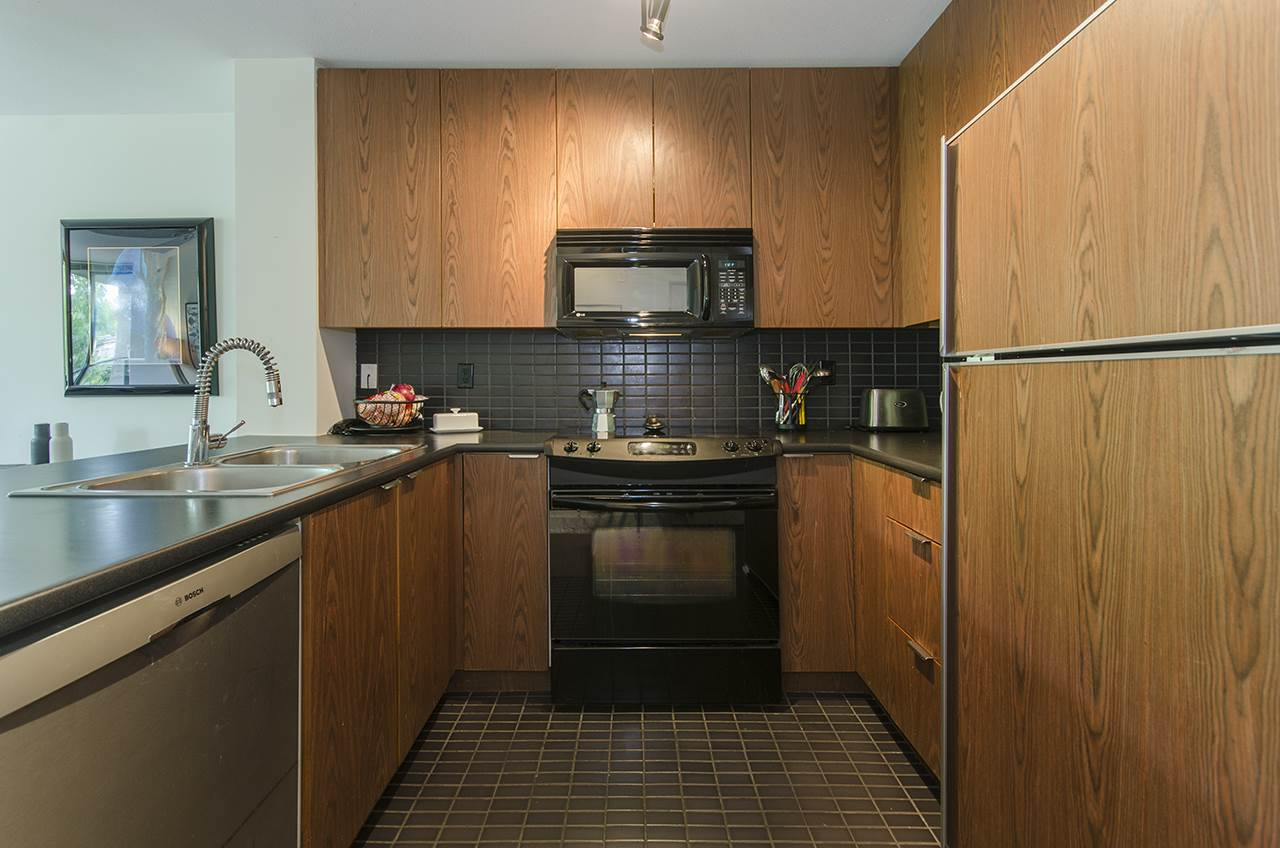 Photo 6: 305 2036 W 10TH AVENUE in Vancouver: Kitsilano Condo for sale (Vancouver West)  : MLS® # R2089487