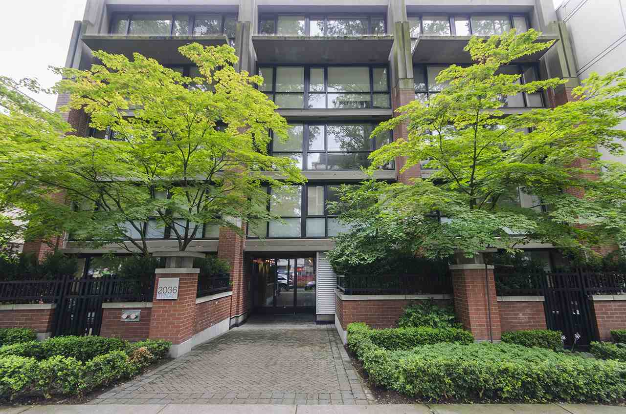 Main Photo: 305 2036 W 10TH AVENUE in Vancouver: Kitsilano Condo for sale (Vancouver West)  : MLS® # R2089487