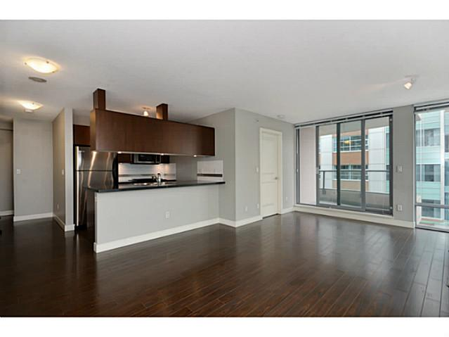 "Photo 4: 705 587 W 7TH Avenue in Vancouver: Fairview VW Condo for sale in ""AFFINITI"" (Vancouver West)  : MLS® # V999925"