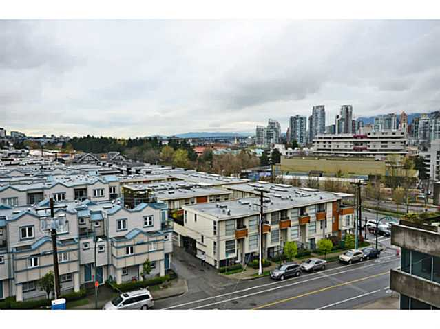 "Photo 9: 705 587 W 7TH Avenue in Vancouver: Fairview VW Condo for sale in ""AFFINITI"" (Vancouver West)  : MLS® # V999925"