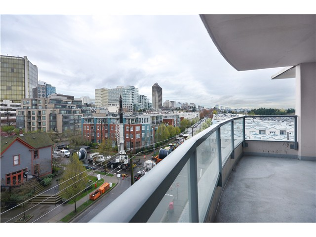 "Photo 8: 705 587 W 7TH Avenue in Vancouver: Fairview VW Condo for sale in ""AFFINITI"" (Vancouver West)  : MLS® # V999925"