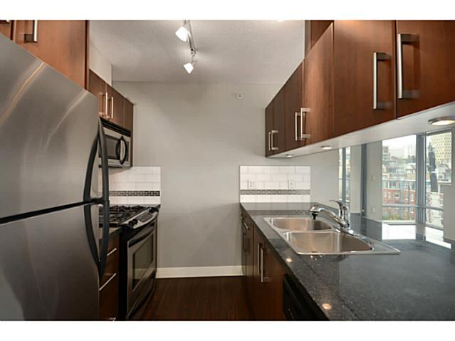 "Photo 5: 705 587 W 7TH Avenue in Vancouver: Fairview VW Condo for sale in ""AFFINITI"" (Vancouver West)  : MLS(r) # V999925"