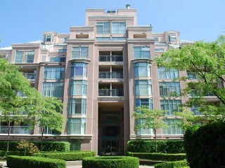 Main Photo: 704 2468 E BROADWAY in Vancouver: Renfrew VE Condo for sale (Vancouver East)  : MLS(r) # V1001408