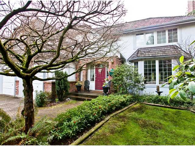 Main Photo: 5155 Alderfeild Place in West Vancouver: Upper Caulfeild House for sale : MLS(r) # V935374