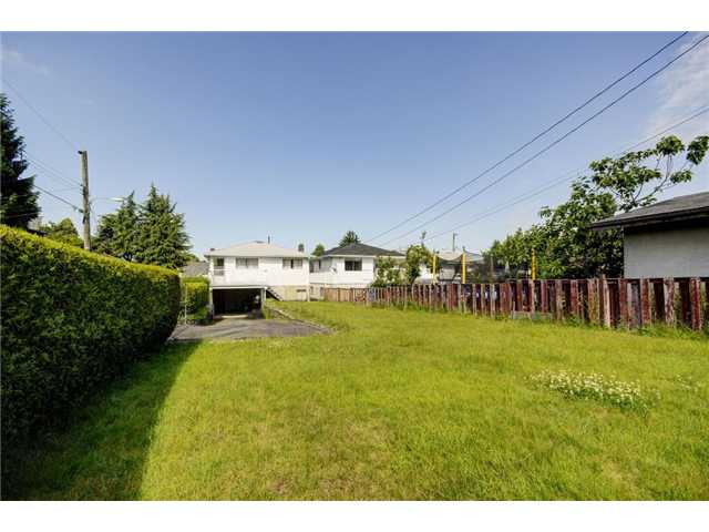 Photo 2: 3802 Fleming Street in Vancouver: Knight House for sale (Vancouver East)  : MLS(r) # v1069565