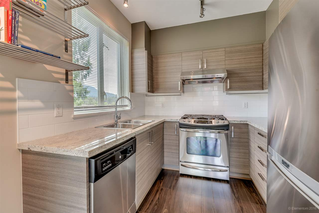 Photo 5: 314 1153 KENSAL PLACE in Coquitlam: New Horizons Condo for sale : MLS® # R2101554