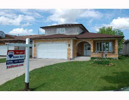 Main Photo: 861 BEECHER: Residential for sale (Garden City)  : MLS(r) # 2709082