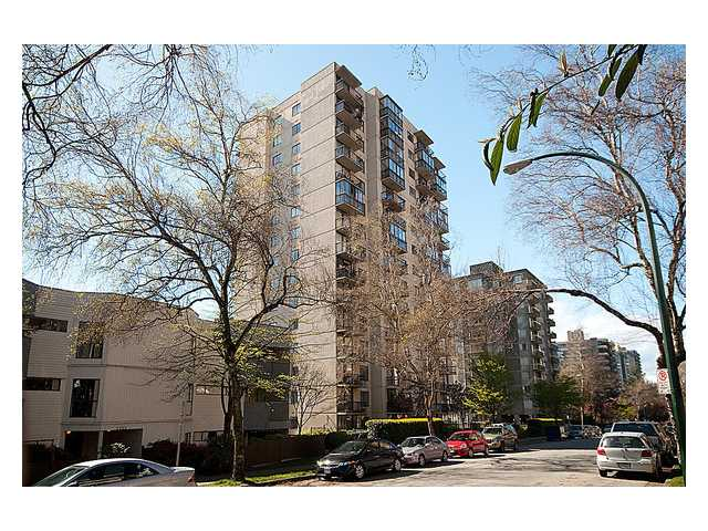 "Main Photo: 404 1146 HARWOOD Street in Vancouver: West End VW Condo for sale in ""The Lamplighter"" (Vancouver West)  : MLS(r) # V956065"