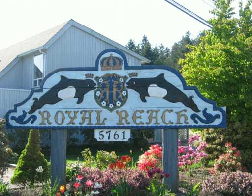"Main Photo: 5761 WHARF Road in Sechelt: Sechelt District Townhouse for sale in ""ROYAL REACH"" (Sunshine Coast)  : MLS® # V590179"