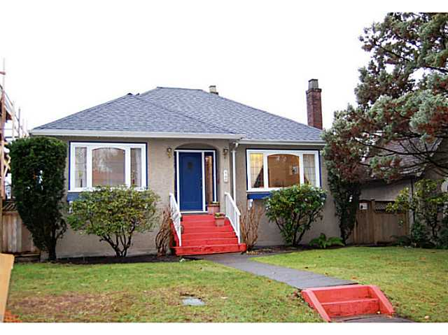 "Main Photo: 440 E 48TH Avenue in Vancouver: Fraser VE House for sale in ""FRASER"" (Vancouver East)  : MLS(r) # V988557"