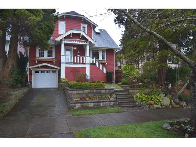 "Main Photo: 3521 INVERNESS Street in Vancouver: Knight House for sale in ""CEDAR COTTAGE"" (Vancouver East)  : MLS® # V990498"