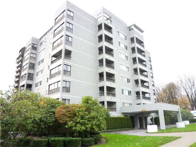 Main Photo: # 201 550 8TH ST in : Uptown NW Condo for sale : MLS® # V858835