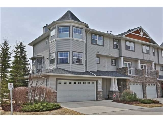 Main Photo: 130 INGLEWOOD Grove SE in CALGARY: Inglewood Townhouse for sale (Calgary)  : MLS(r) # C3565808