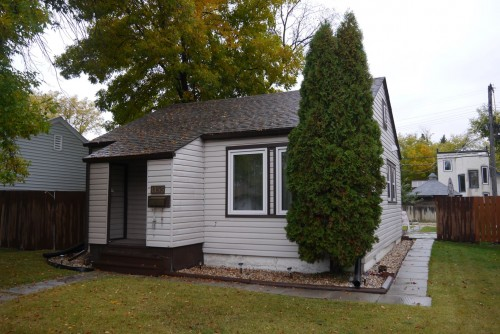 Main Photo: 1155 Somerville Avenue in Winnipeg: Residential for sale : MLS(r) # 1321815