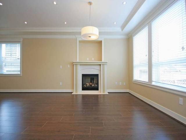 Photo 2: 1351 E 12TH AV in Vancouver: Grandview VE Condo for sale (Vancouver East)  : MLS(r) # V1051637