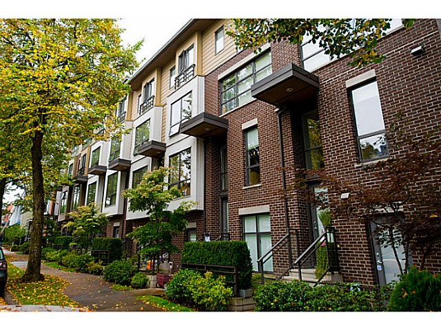 Main Photo: 3651 COMMERCIAL ST in Vancouver: Victoria VE Condo for sale (Vancouver East)  : MLS® # V1087761