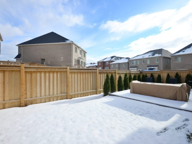 Photo 4: 160 North Park Blvd in Oakville: Rural Oakville Freehold for sale : MLS(r) # W3708294