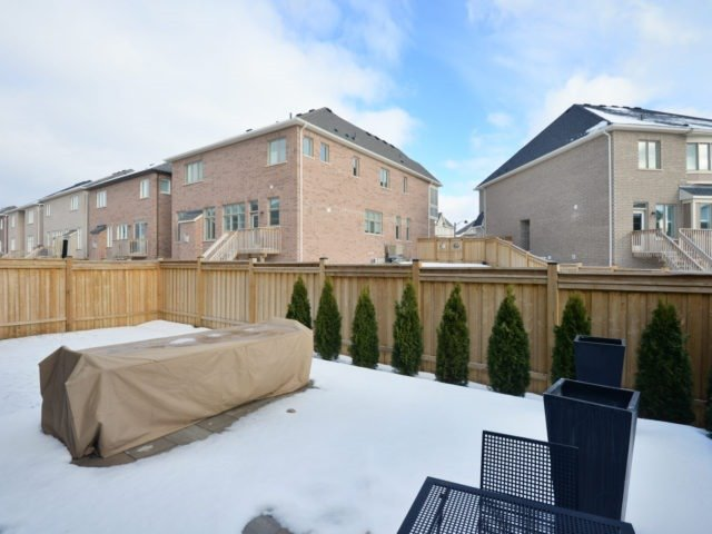 Photo 3: 160 North Park Blvd in Oakville: Rural Oakville Freehold for sale : MLS(r) # W3708294