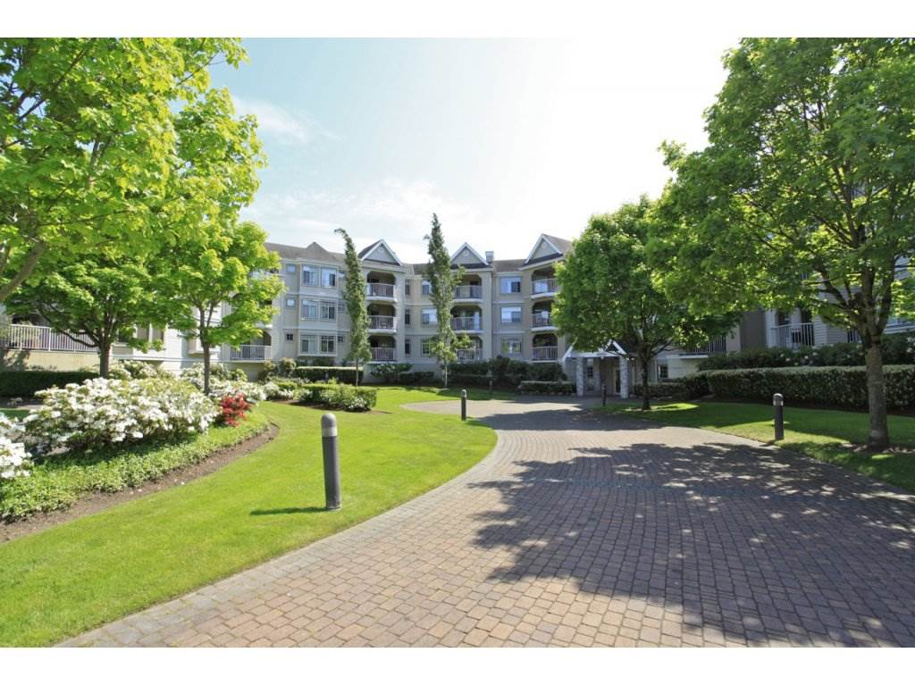 Main Photo: 106-20894 57th Ave in Langley: Condo for sale : MLS® # R2136164