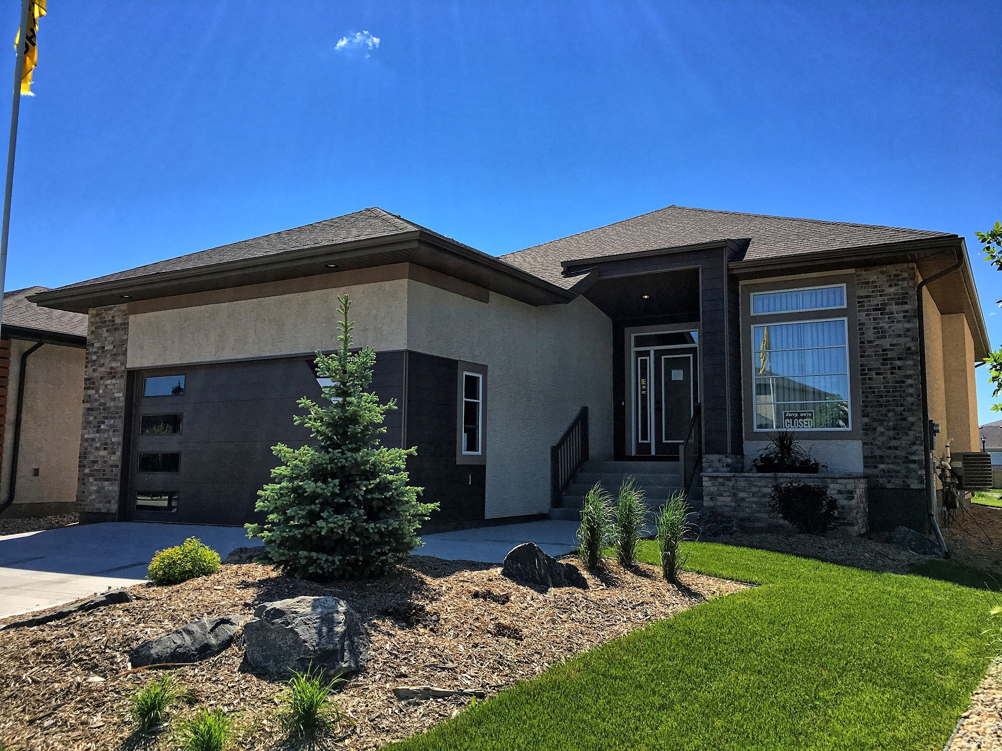 Main Photo: 10 East Plains Drive in Winnipeg: Sage Creek Single Family Detached for sale (2K)