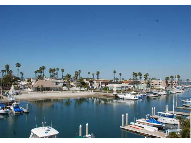 Main Photo: CORONADO CAYS House for sale : 4 bedrooms : 28 Admiralty Cross in Coronado