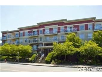Main Photo: 211 1371 Hillside Avenue in VICTORIA: Vi Oaklands Condo Apartment for sale (Victoria)  : MLS®# 274936