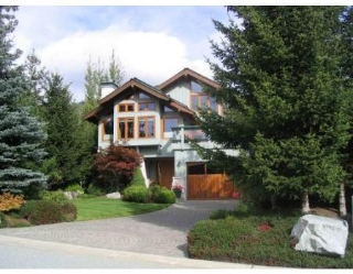 Main Photo: 8429 GOLDEN BEAR PL in Whistler: House for sale : MLS® # V678363