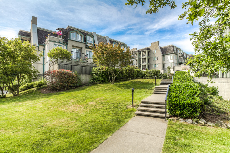 "Photo 23: 87 211 BEGIN Street in Coquitlam: Maillardville Townhouse for sale in ""FOUNTAIN BLEU"" : MLS® # V966076"