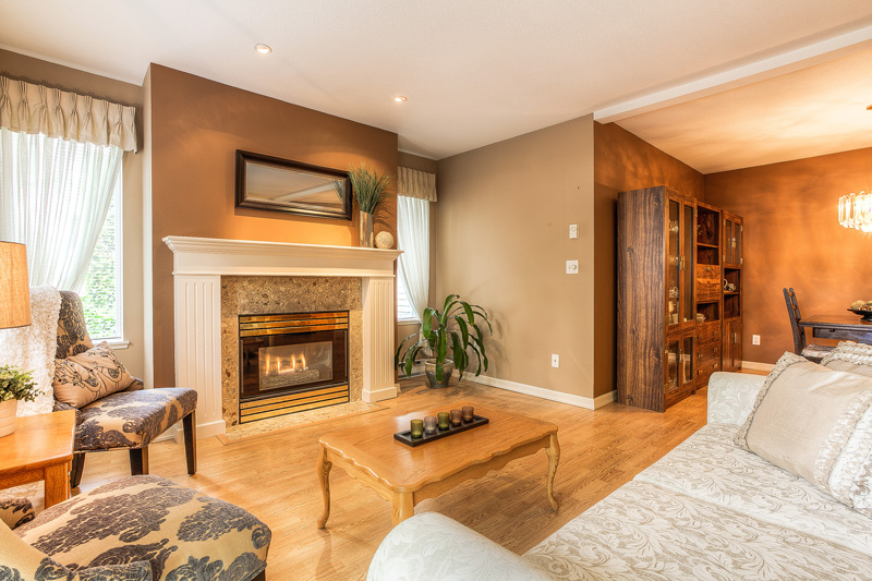 "Photo 12: 87 211 BEGIN Street in Coquitlam: Maillardville Townhouse for sale in ""FOUNTAIN BLEU"" : MLS® # V966076"