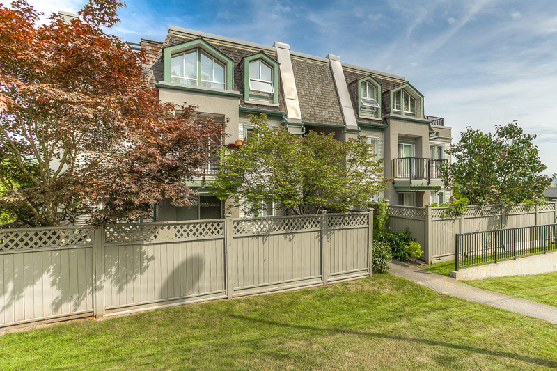 "Photo 21: 87 211 BEGIN Street in Coquitlam: Maillardville Townhouse for sale in ""FOUNTAIN BLEU"" : MLS® # V966076"