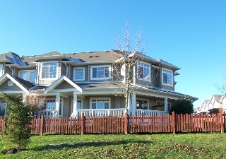 Main Photo: 3 bedroom townhome in Clayton, Cloverdale. real estate