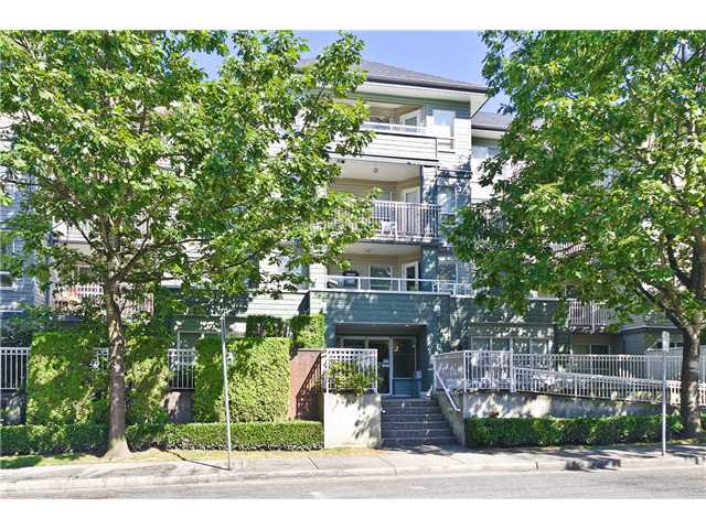 "Main Photo: 407 2439 WILSON Avenue in Port Coquitlam: Central Pt Coquitlam Condo for sale in ""AVEBURY POINT"" : MLS®# V1027199"